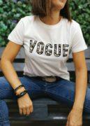 camiseta_blanca_texto_leopardo_vogue_mujer