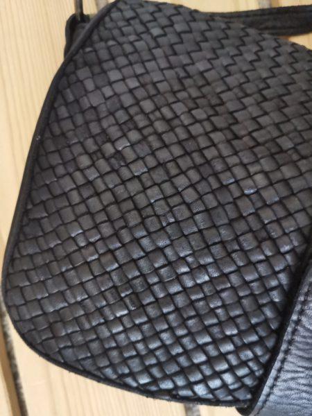 bolso-de-hombro-mujer-en-piel-trenzada-negro-vintage-bohochic8