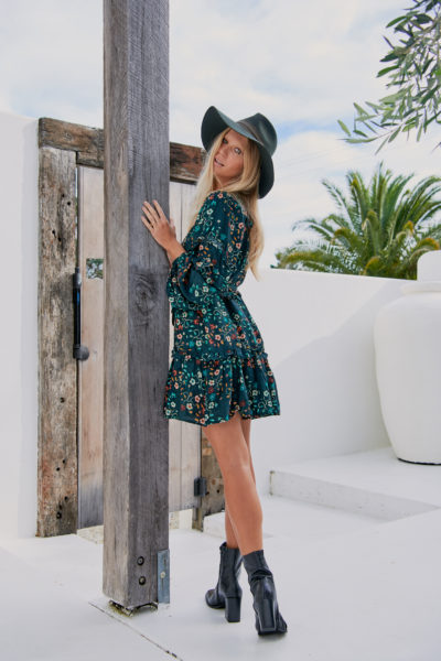 vestido-boho-estampado-floral-verde-oscuro-corto-mini6