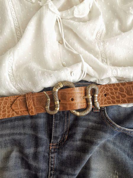 cinturon-piel-coco-color-camel-hebilla-serpiente-dorada-boho-chic