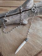 collar-rosario-con-perlas-y-colgante-de-cuerno-marfil-boho-chic
